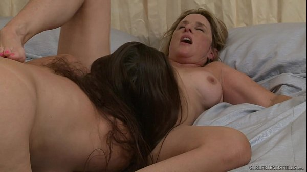 Lésbica traindo com a sogra